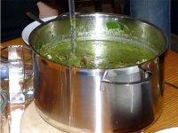 Гарячі і холодні супи з борщівник