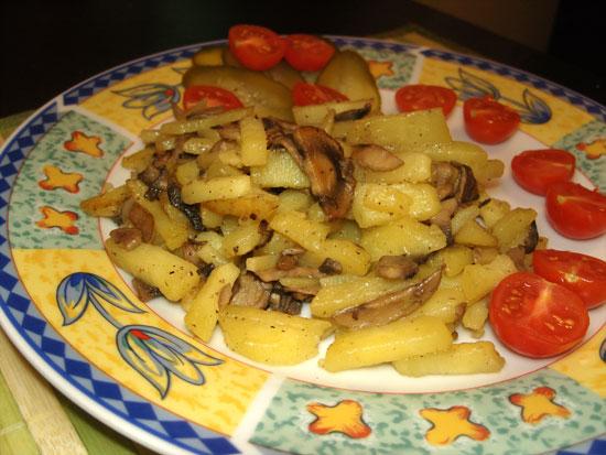 Смажена картопля з печерицями